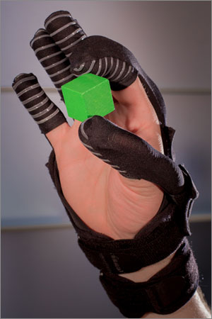 Harvard Wyss Institute Develops Soft Robotic Glove For Hand-Impaired Patients